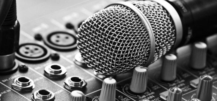 Vlastní audio program na pozadí vysílání